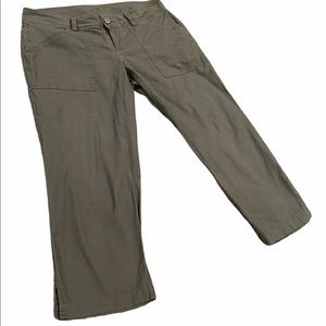 Field & Stream Cropped Pants Size 6